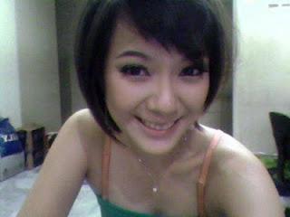 Foto Hot Yuanita Christiani Seksi dan Cantik