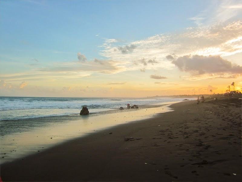 Tempat Wisata Pantai Masceti Gianyar