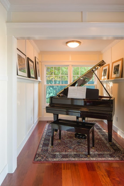 special room for the grand piano
