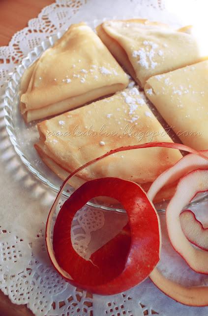 naleśniki z jablakami i twarozkiem aaaledobre.blogspot.com