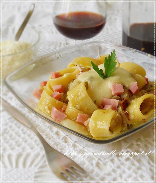 Pasta calamarata ai finocchi in crema di gorgonzola