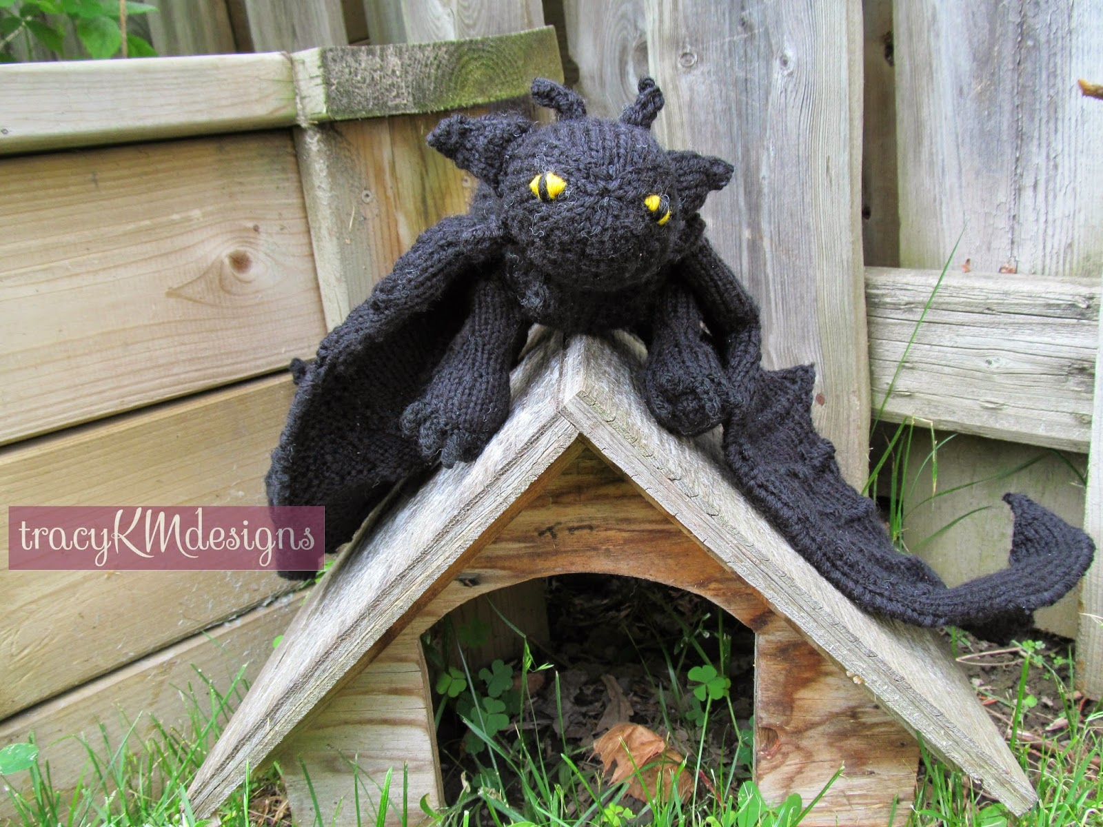 Knitting Pattern For Toothless Dragon : Knotty Knits and Naughty Kids: Toothless!