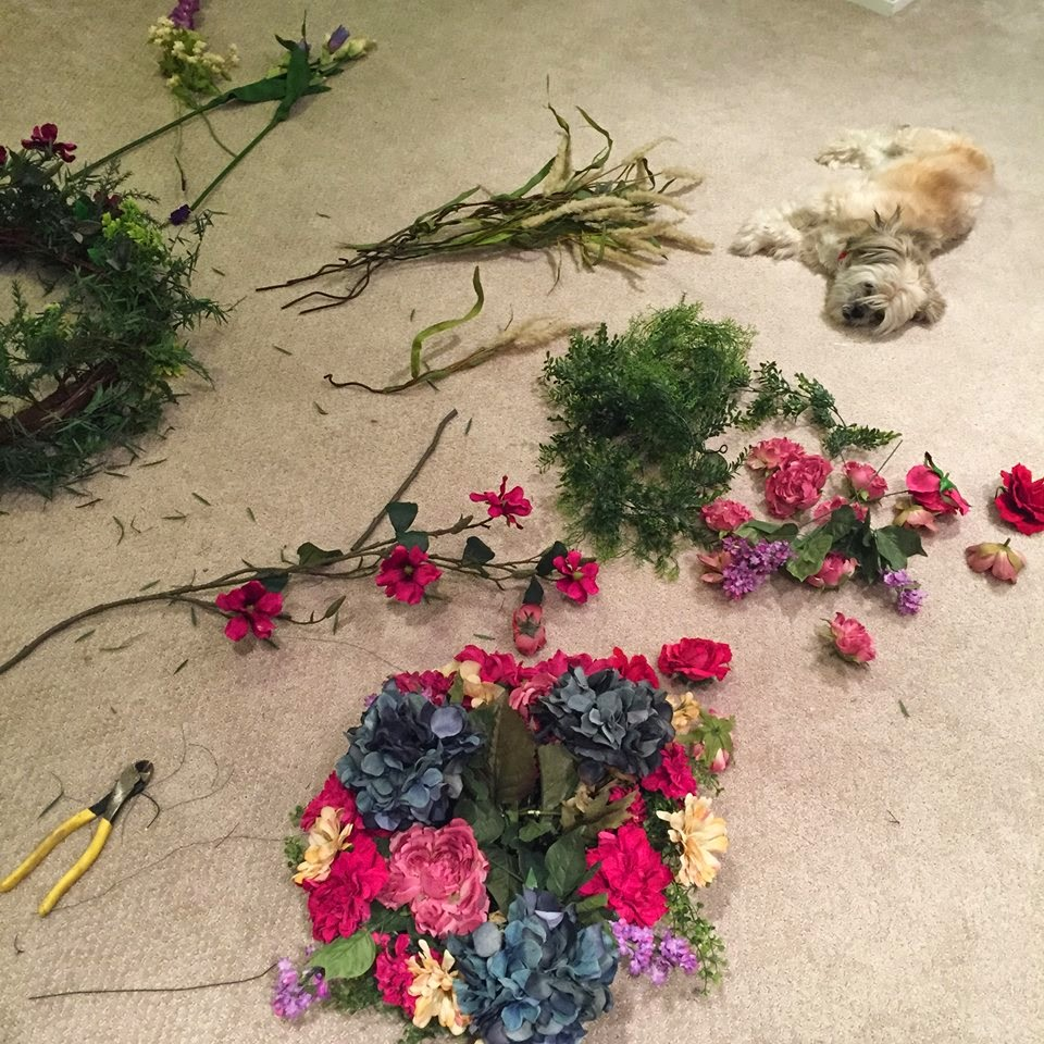 Muchocrafts organic style chandelier diy tutorial you got to do is to create a sturdy circumference a structure that will hold it self and the weigh of all the flowers youre gonna be putting in it so arubaitofo Image collections