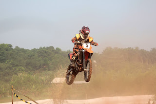 Jalur Pipa Gas motor cross