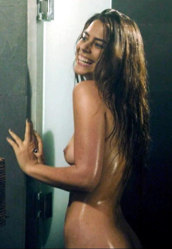 lorenza izzo nude