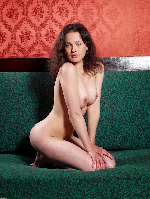 Naked Russian celebrities - Nude Dasha Astafieva