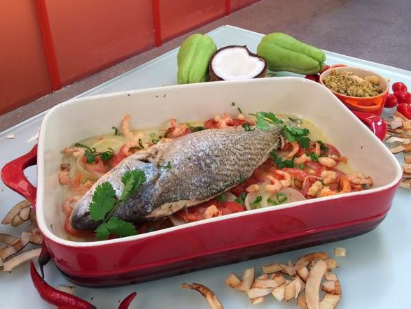 Peixe com farofa de camarão