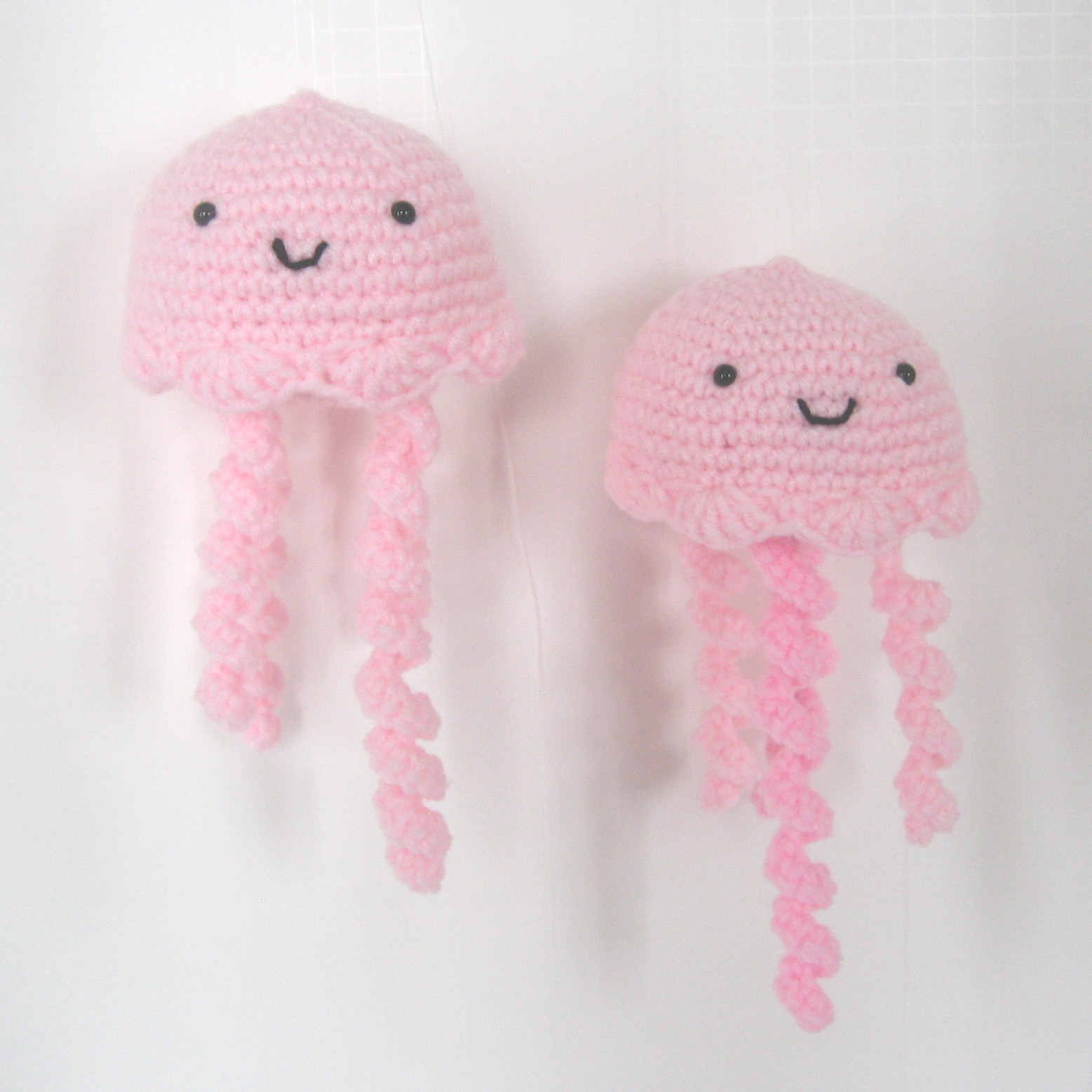 Free Crochet Pattern For Jellyfish : CROCHET N PLAY DESIGNS: Free Crochet Pattern: Jellyfish