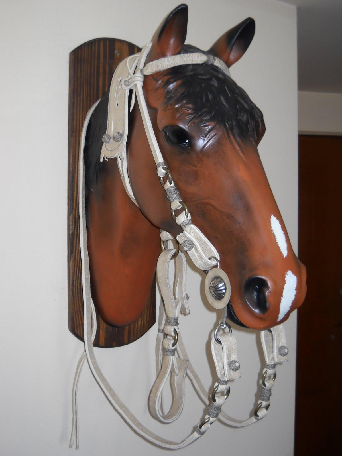 Talabarteria on line juego de fiador blanco freno for Cabezadas para caballos