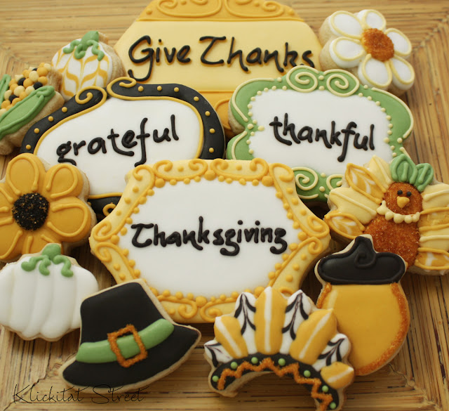 Thanksgiving plaque cookies