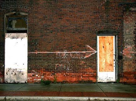 Ο μαλάκας της διπλανής πόρτας