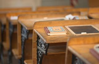 tables écolier écriture