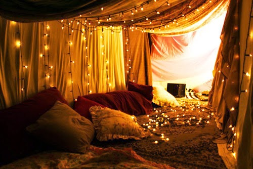 Since this tent that is turned to be a romantic indoor tent by adding some little lights. You can use your old Christmas light decorations to be put on ... & Hello: Romantic Indoor Tent