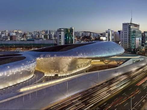 Tòa nhà Dongdaemun Plaza tại Seoul, Hàn Quốc - Kiến trúc sư Zaha Hadid thiết kế  (lọt vào danh sách công trình Văn hóa)