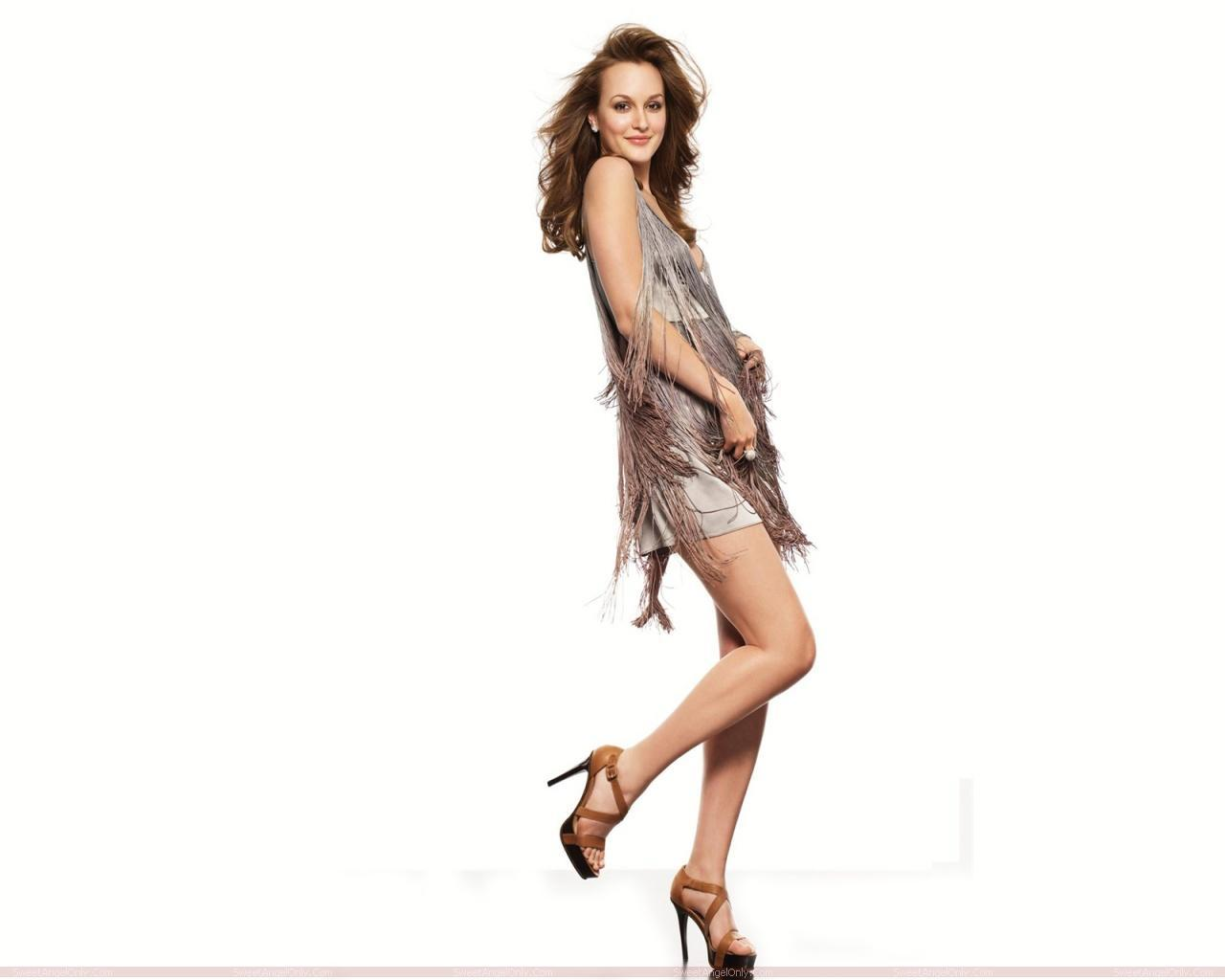 http://2.bp.blogspot.com/-cCNPr7pM9oY/TX-wlgruLUI/AAAAAAAAFqE/2c4_vBHwW_I/s1600/leighton_meester_hollywood_hot_actress_wallpaper_sweetangelonly_11.jpg