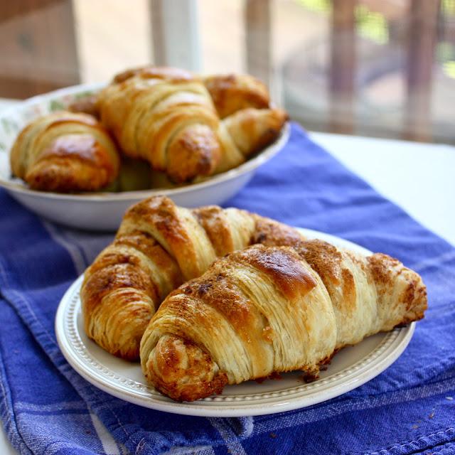 Cannella Vita: cinnamon sugar croissants