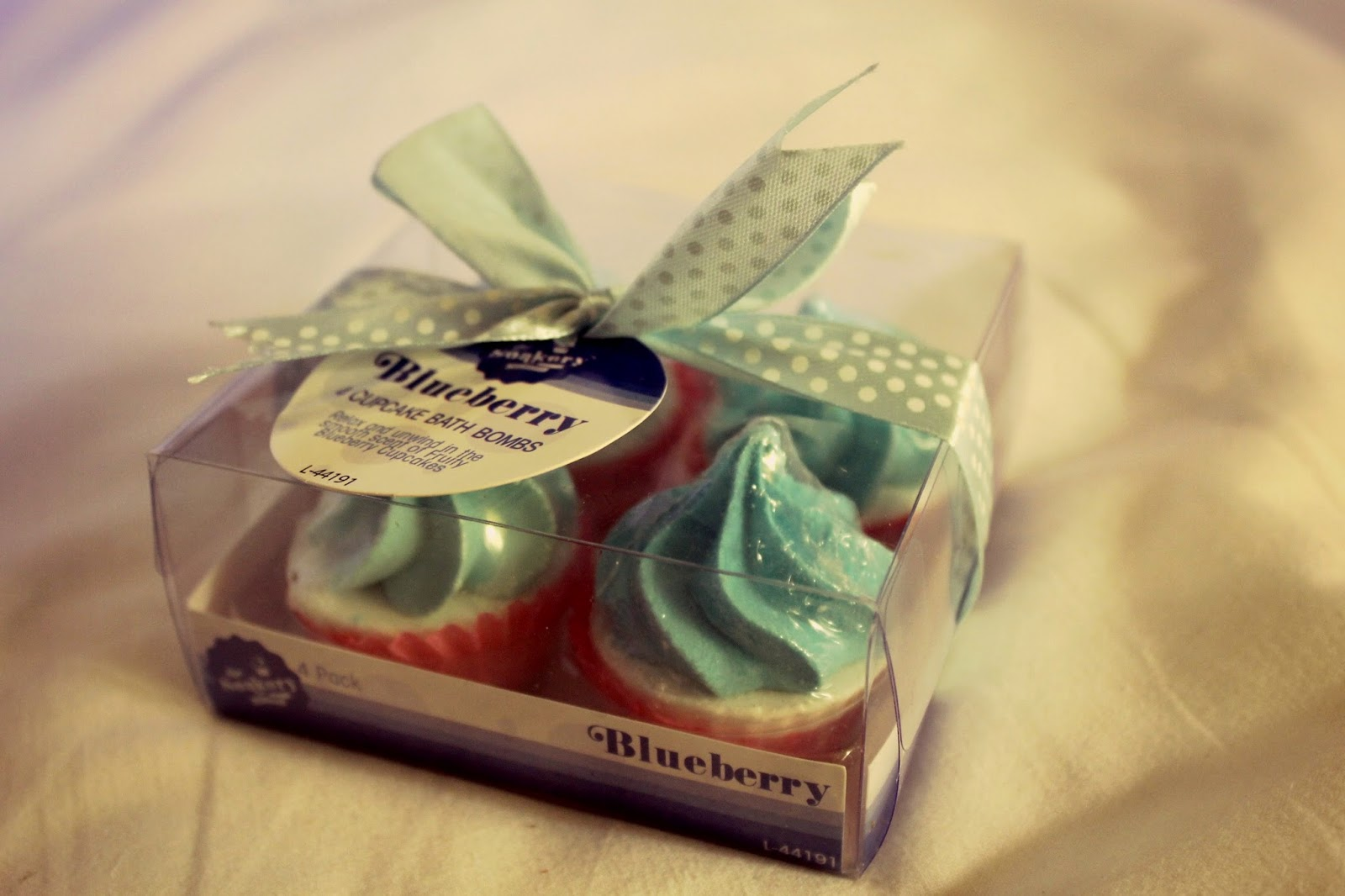 blogger swap gifts bath bomb cakes
