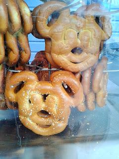 disneyland mickey pretzels