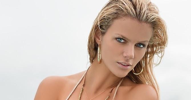 Brooklyn Decker (SI Swimsuit 2011) - Models Inspiration Brooklyn Decker
