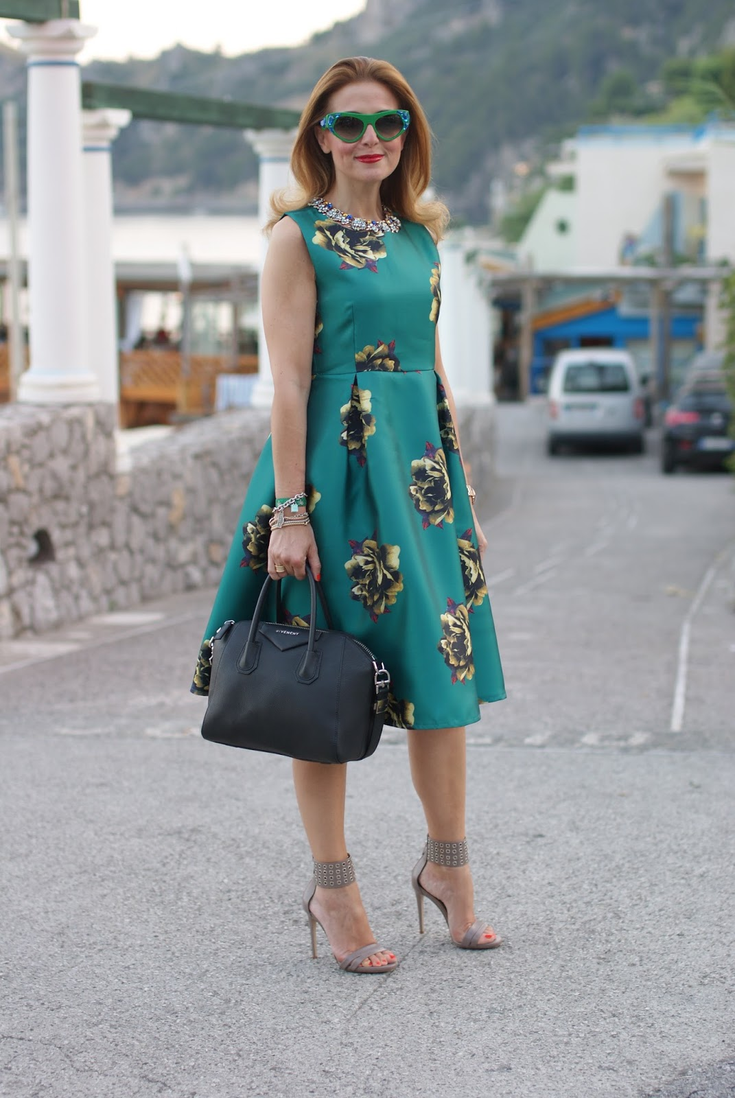 Choies green midi dress, Le Silla heels and Prada Voice sunglasses found on Giarre on Fashion and Cookies fashion blog, fashion blogger style
