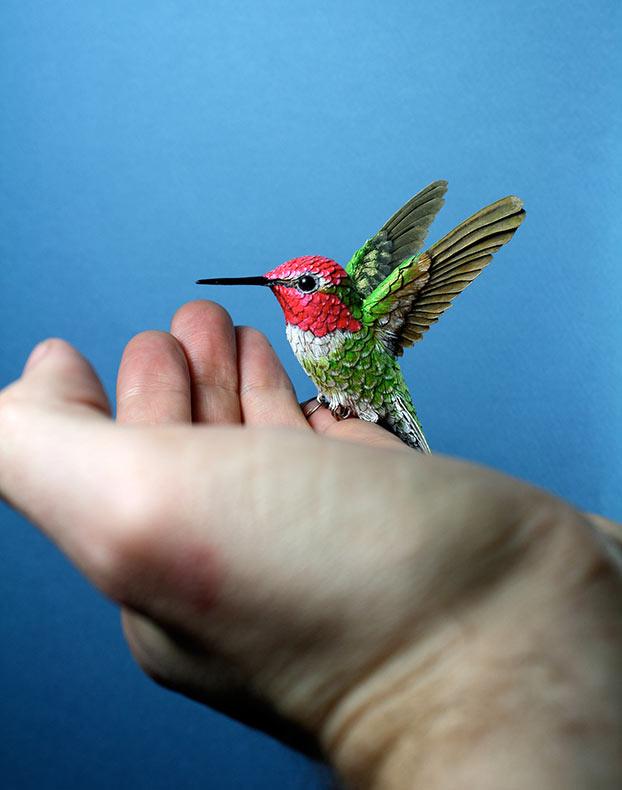Pájaros de madera y papel hecho a mano de Zack Mclaughlin