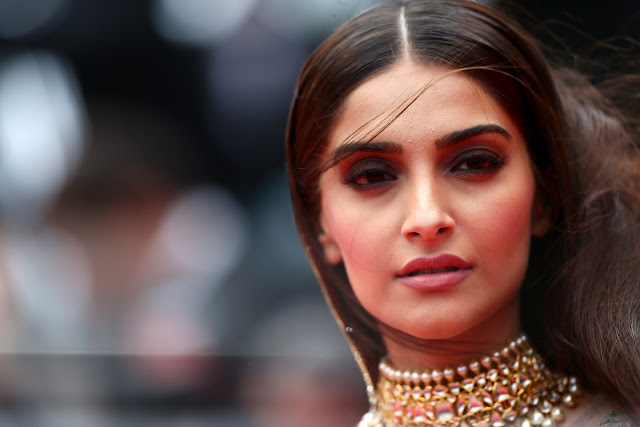 'Prem Ratan Dhan Payo' actress Sonam Kapoor 100 HD Images & Wallpapers