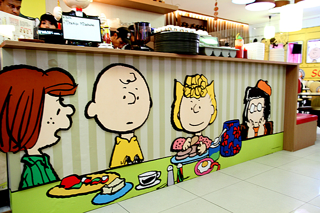 this place has a charlie brown theme all of the design from the walls and coffee table decorations is from this cartoon i never saw any of the episode