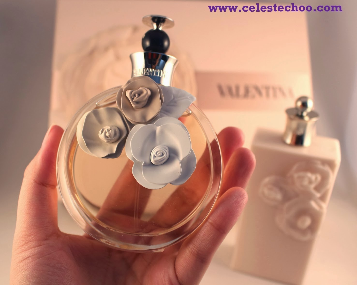 top-fragrance-valentina-perfume-bottle