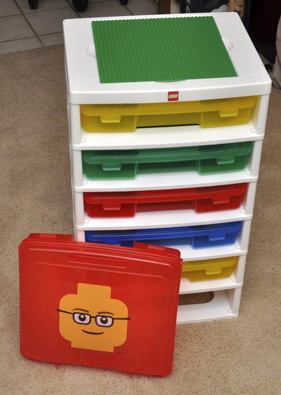 I picked up this Lego storage tower from Craigslist today. Itu0027s practically brand new and I paid less than half of what Toys R Us sells it for. & NakaKon: Lego Tower