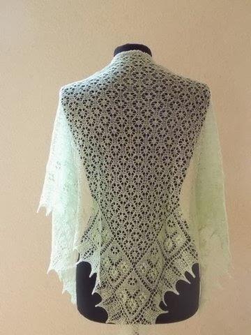 TE KOOP :lichtgroene/mintkleurige wol zijden stola!