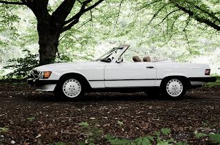 19 Mercedes-Benz 560SL R107 1988
