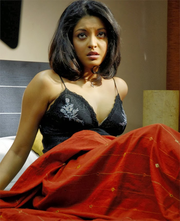 Hot Tanushree Dutta Photos (Latest) - Sexy Bikini