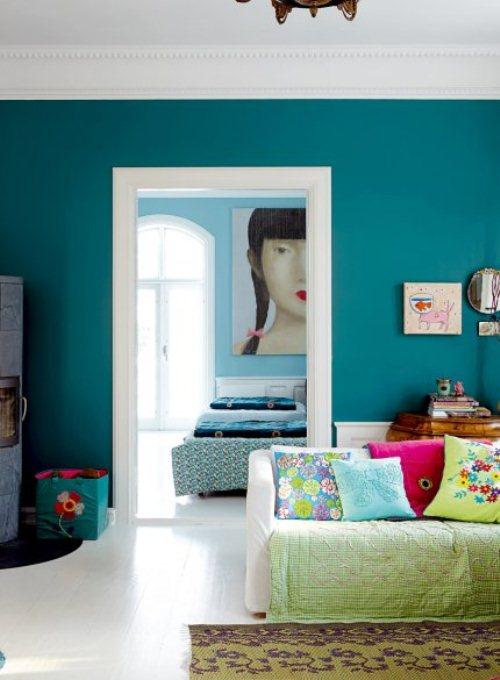 light house with bright furniture and accents 3 ไอเดียการตกแต่งบ้านหวานๆจากเดนมาร์ก