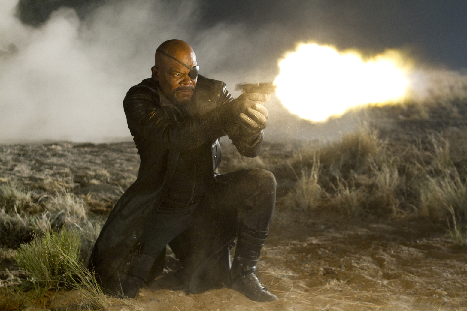 http://2.bp.blogspot.com/-cEKzPJRy57Q/TopGK9bmXII/AAAAAAAADjs/POnQc5AhVdU/s1600/avengers-movie-image-samuel-l-jackson-01.jpg