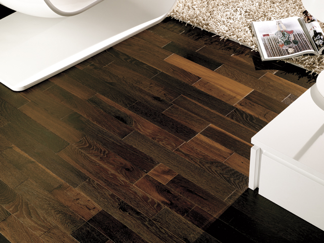 Limpiar suelos de madera awesome cmo aplicar betn de - Limpiar suelo de madera ...