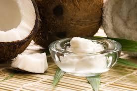 Nuevo-estudio-Aceite-de-Coco-mejor-que-la-crema-dental
