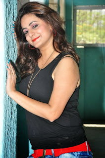 Actress Bhavna  Picture Gallery in Jeans   (16).JPG