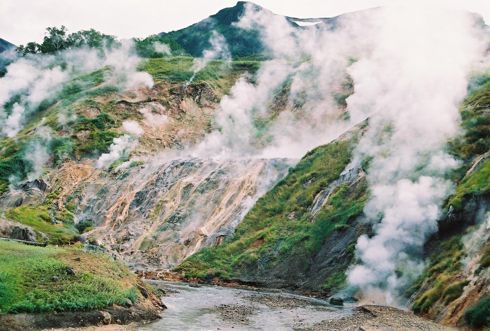 Výsledek obrázku pro Valley of Geysers, Kamchatka, Russia
