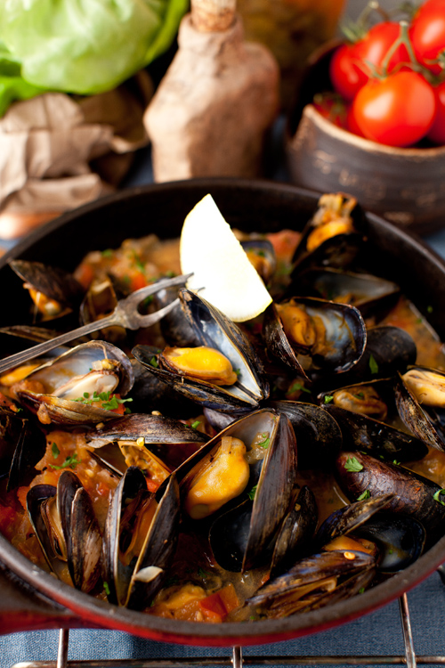 Mussels in White Wine Sauce with Onions and Tomatoes - The ...