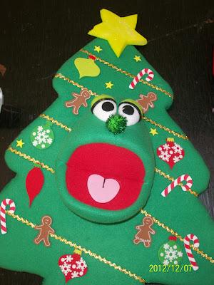 photo of: Talking Puppet Christmas Tree: Storytellin' at PreK+K Sharing