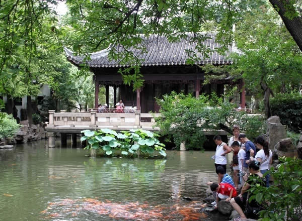 Walk along the Yu Garden | China Tours Online Blog