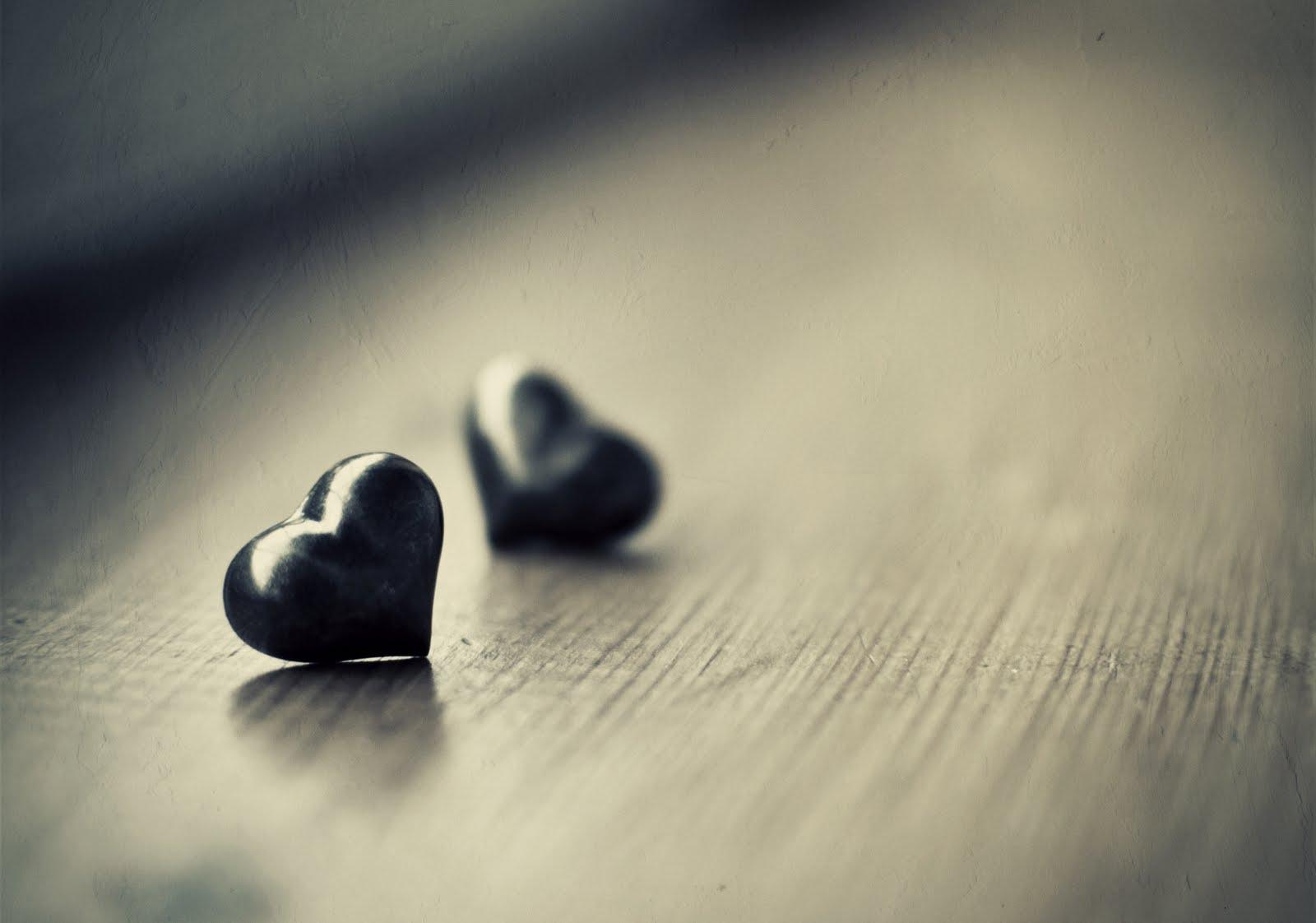 http://2.bp.blogspot.com/-cF_IHCq3TZA/T6qM4pqwU7I/AAAAAAAAAQU/jYNFkaQcTsM/s1600/Two+Hearts++Love+Wallpaper.jpg
