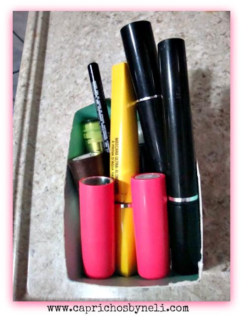 Reciclagem, organizando maquiagem