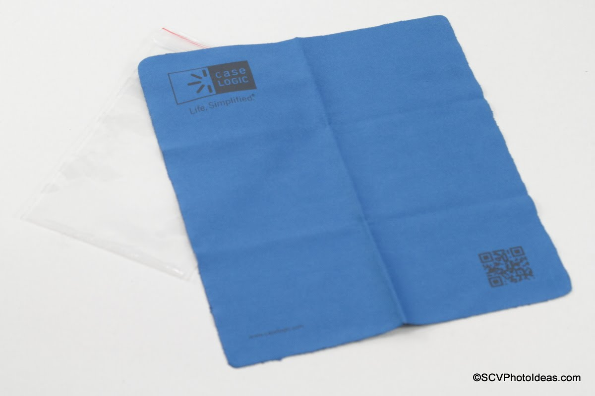 Case Logic DSB-103 free cleaning cloth