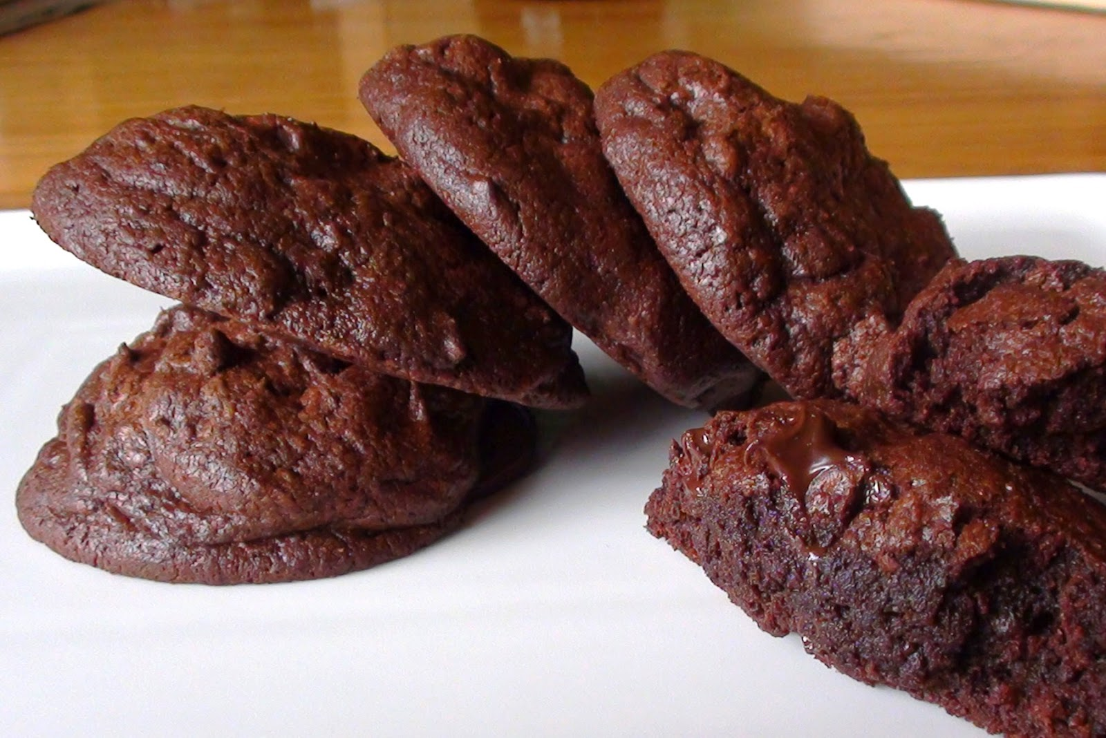 zsuzsa is in the kitchen: DOUBLE CHOCOLATE COOKIES