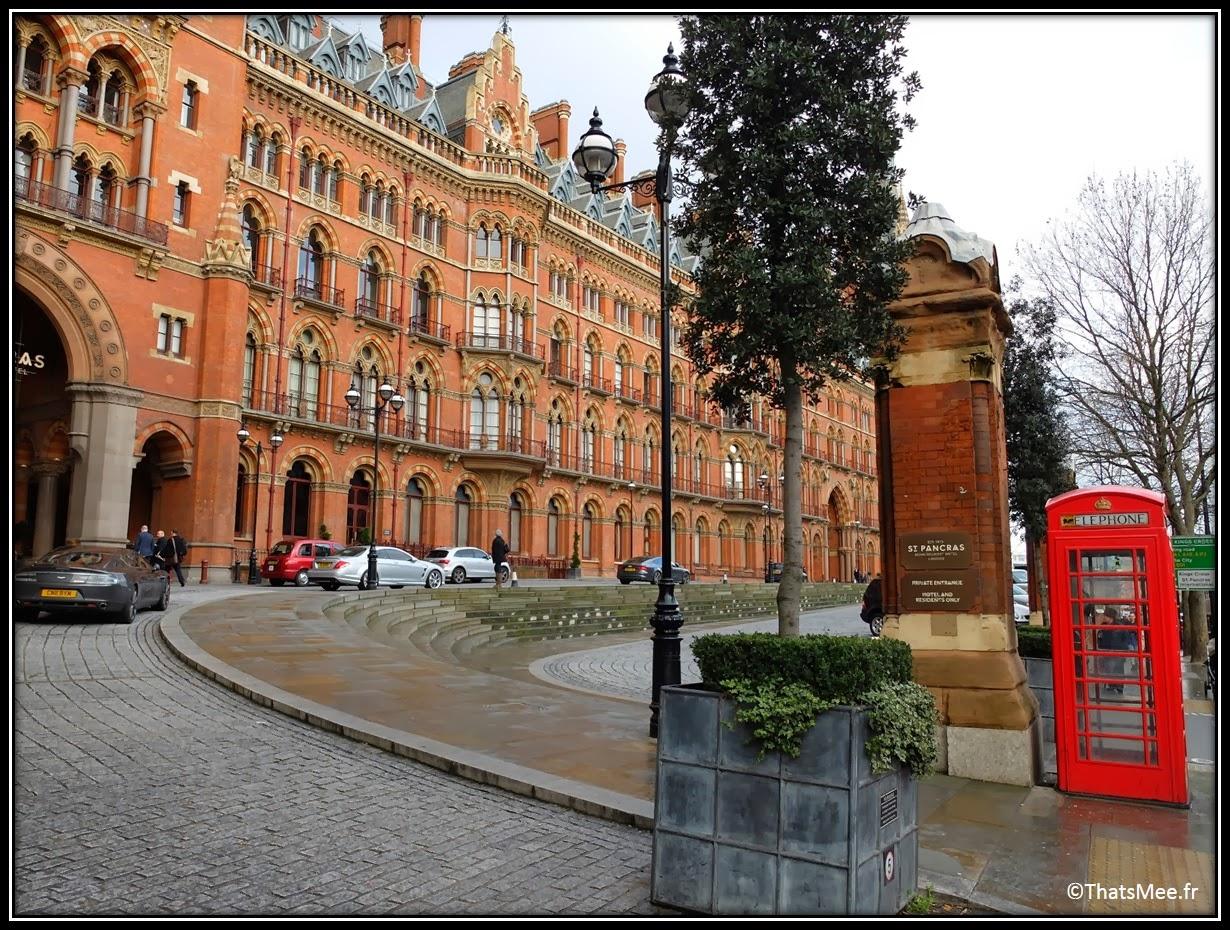 Londres vue cabine téléphonique rouge King Pancras hôtel