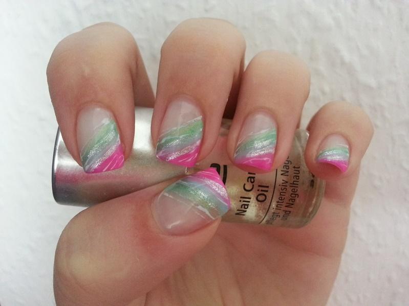 Muster mit Neonfarben sind im Sommer besonders angesagt