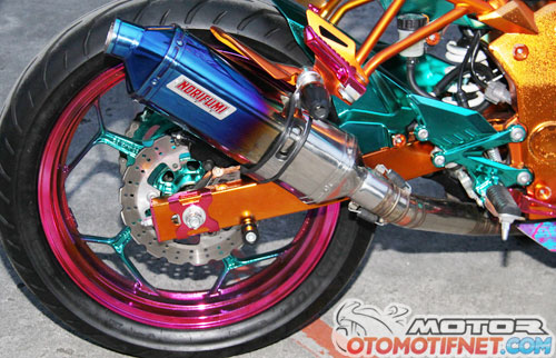 Modifikasi Kawasaki Ninja RR Full Chrome