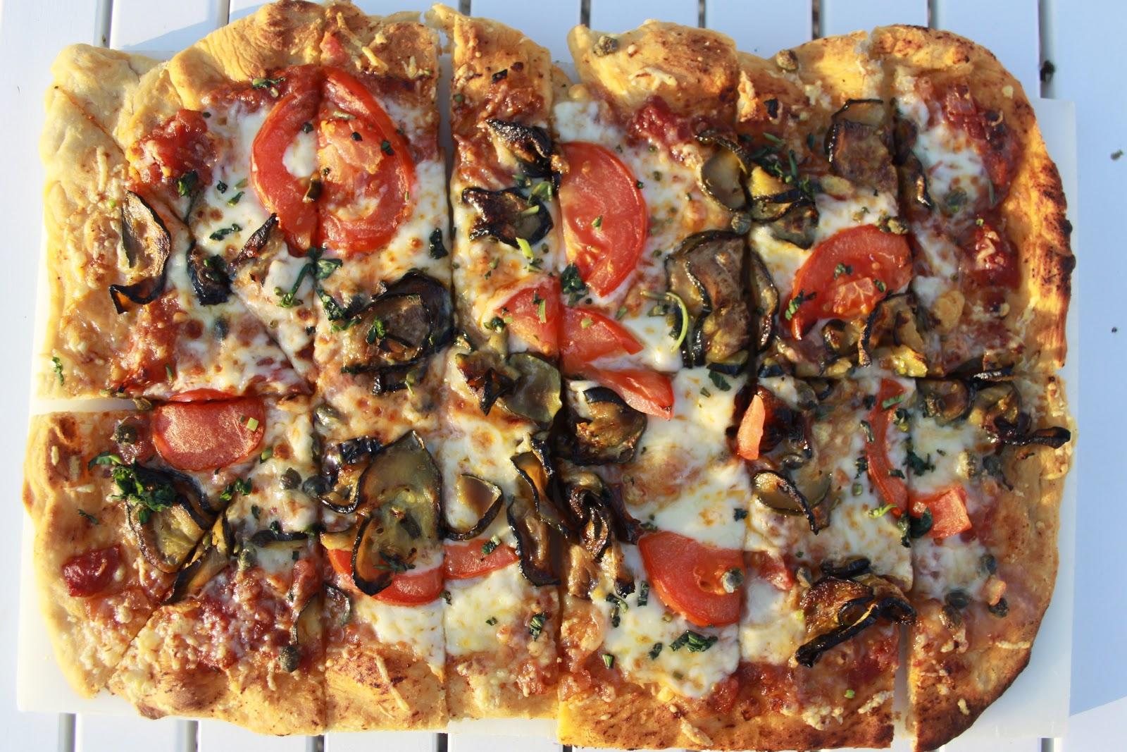 Tafel in frankrijk pizza misschien vind ik dit zelf wel for Pizza bakken op tafel