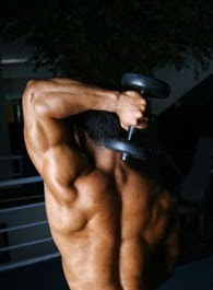 One arm tricep extension exercise using dumbbells1